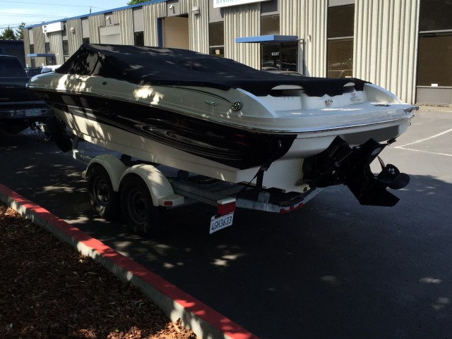 05 seaRay Boat (2)