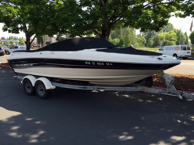 05 seaRay Boat (8)